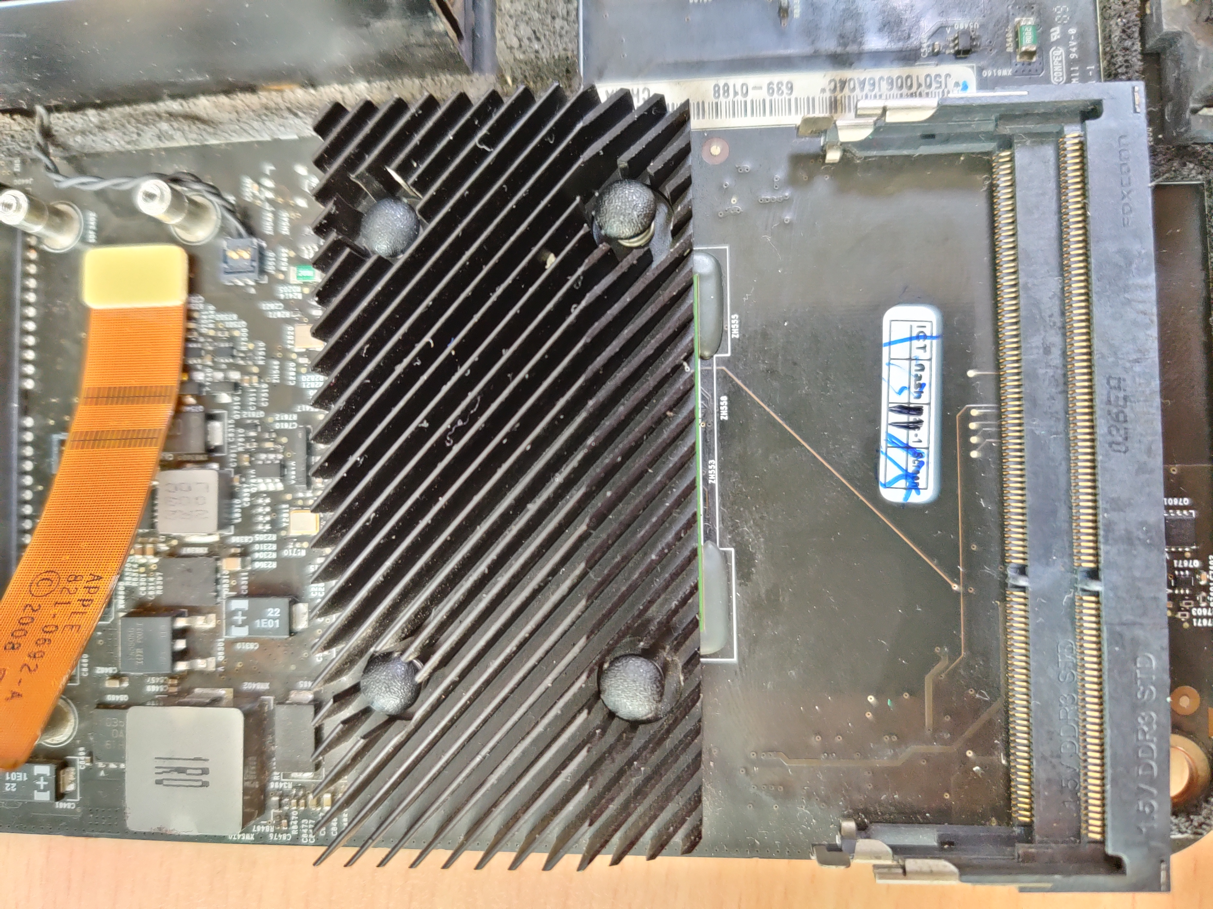 MCP79 Chipset under heatsheld